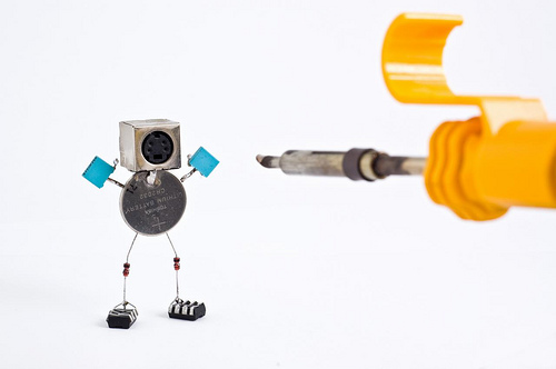 sparebots angkat tangan